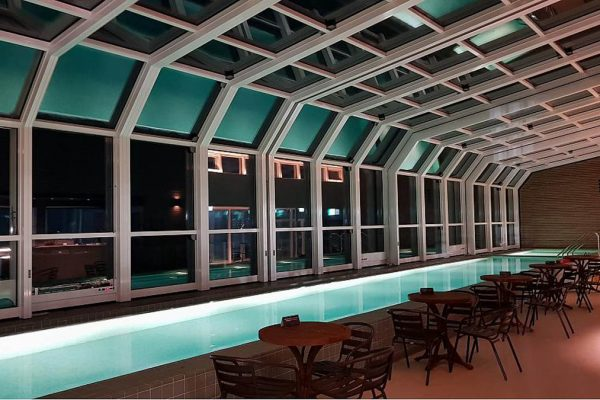 Retractable Glass Structures Lean To
