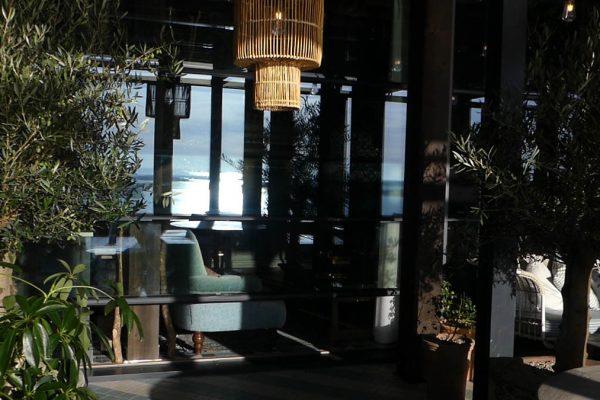Vertical Guillotine Glass Screens Libart