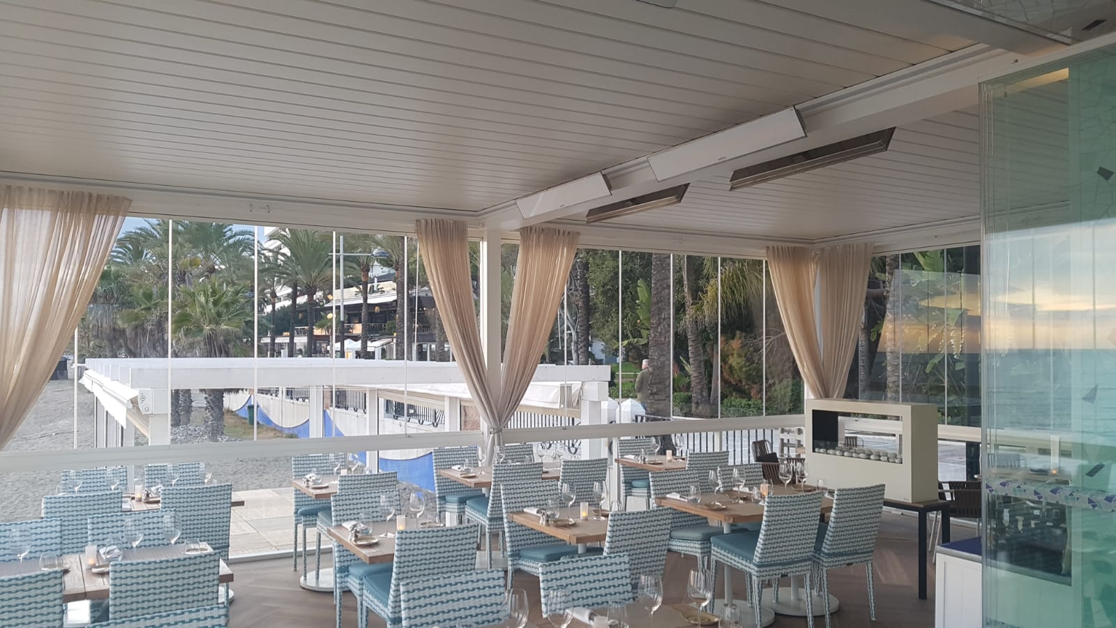 Outdoor Heating Parasols External Venetian Retractable Motorised Roof Pergola Awning London Commercial Architecture Outdoor